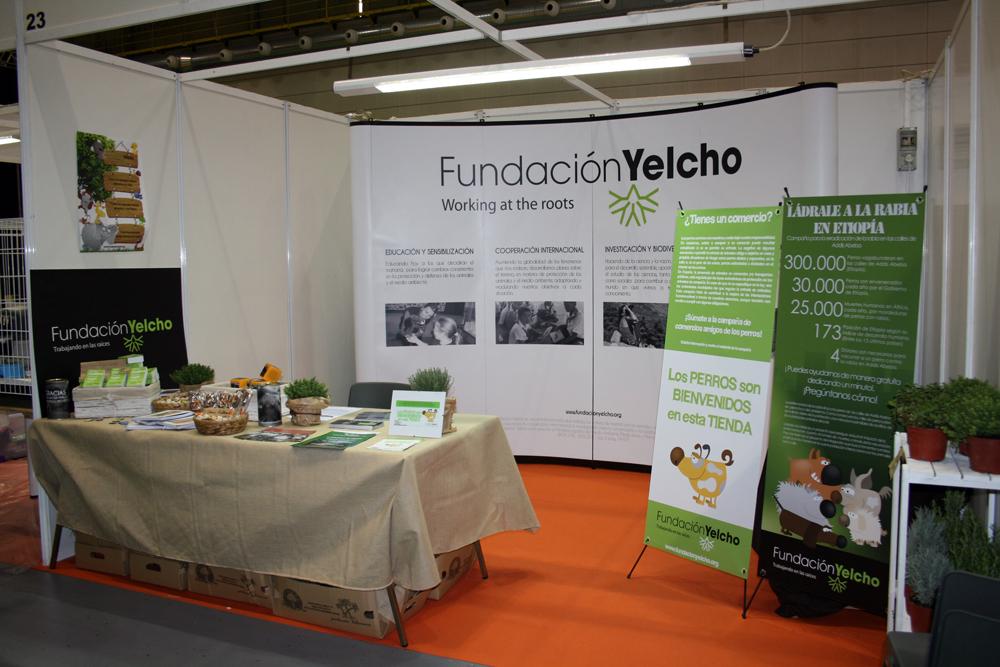 Stand de la Fundación Yelcho en Animaladda 2013
